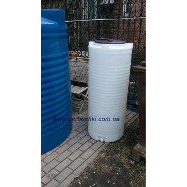 Емкость на 300 литров однослойная узкая